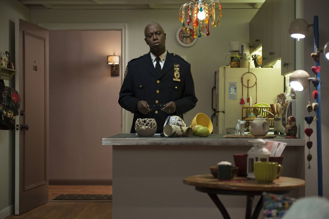 Captain Ray Holt (Andre Braugher) - Bildquelle: Colleen Hayes 2013 NBC Studios LLC. All Rights Reserved. / Colleen Hayes