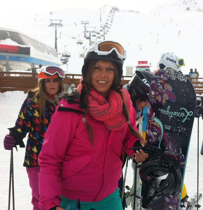 Ski heil! Ling-Ling (r.), Bauer (M.) und Lory Glory (l.) testen ihr Wintersport-Talent, bevor es zur nächsten Après-Ski-Sause in Sölden geht ... - Bildquelle: ProSieben