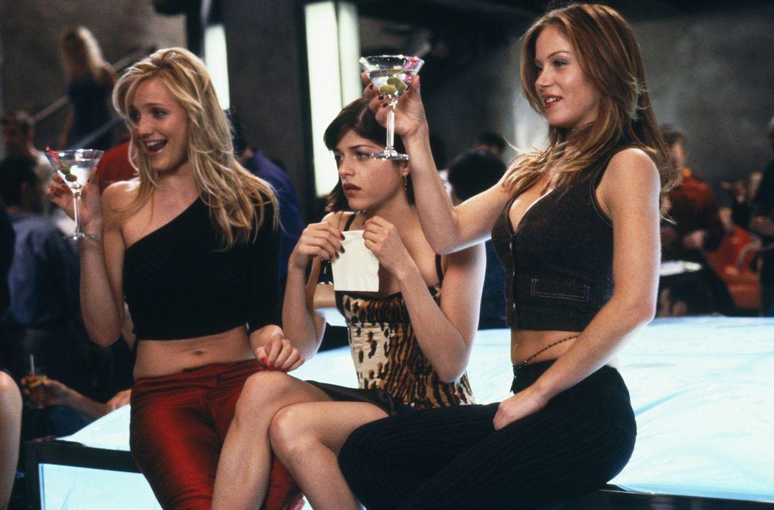 Super süß und sexy: (v.l.n.r.) Christina (Cameron Diaz), Jane (Selma Blair) und Courtney (Christina Applegate) ... - Bildquelle: 2003 Sony Pictures Television International