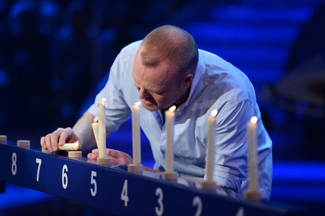 Zurück auf Anfang: Nachdem sich Stefan Raab 2012 (3,5 Millionen) und 2013 (3,0 Millionen) jeweils nur einmal seinem Herausforderer geschlagen geben... - Bildquelle: Willi Weber ProSieben