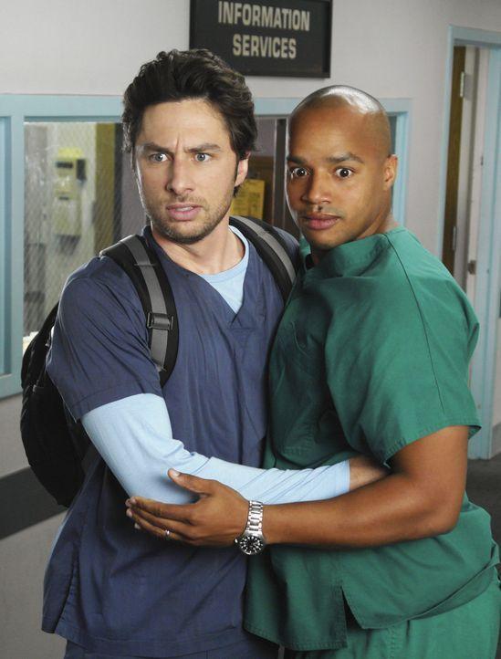 J.D.s (Zach Braff, l.) letzter Tag im Sacred Heart Krankenhaus ist angebrochen, und obwohl Turk (Donald Faison, r.) und Elliot sich große Mühe geb... - Bildquelle: Touchstone Television