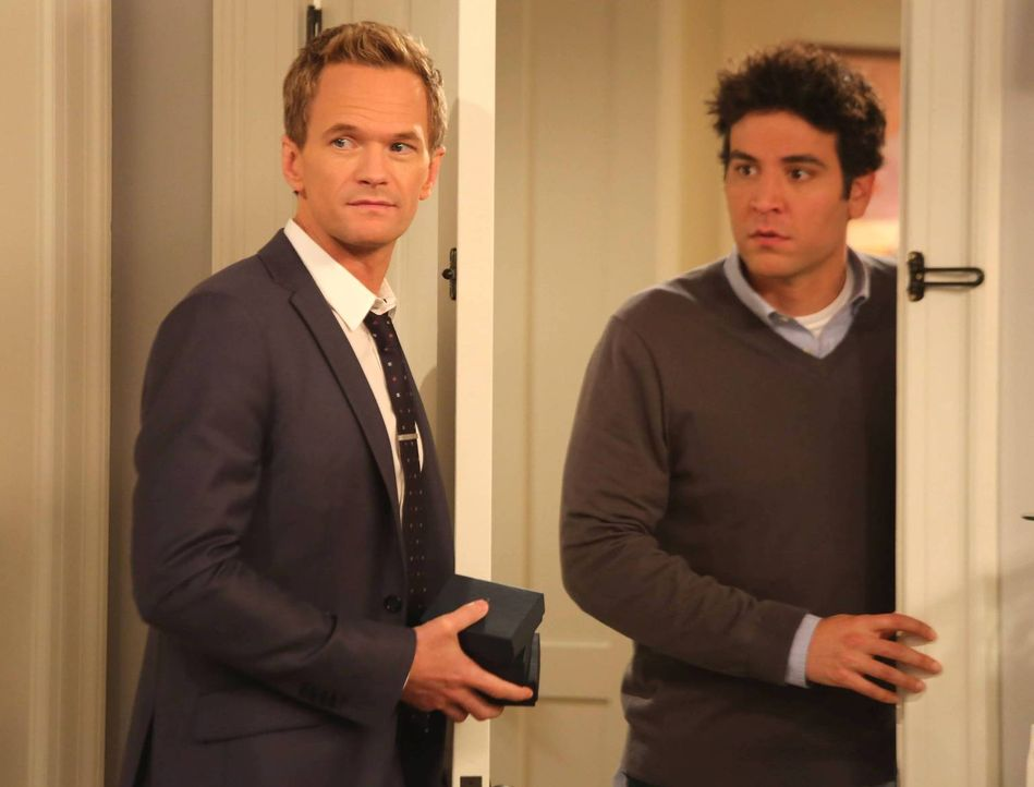 Kurz vor seiner Hochzeit mit Robin, beschuldigt Barney (Neil Patrick Harris, l.) Ted (Josh Radnor, r.), den Bro-Code gebrochen zu haben. Doch wie wi... - Bildquelle: 2013 Twentieth Century Fox Film Corporation. All rights reserved.