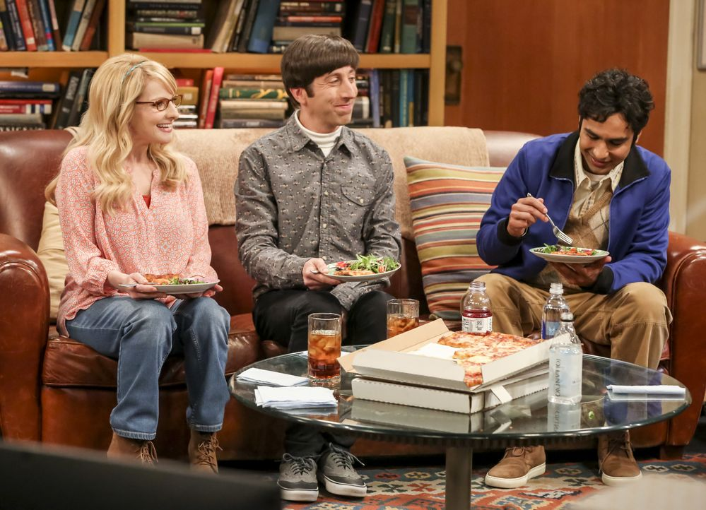(v.l.n.r.) Bernadette Rostenkowski (Melissa Rauch); Howard Wolowitz (Simon Helberg); Raj Koothrappali (Kunal Nayyar) - Bildquelle: Michael Yarish 2018 WBEI. All rights reserved. / Michael Yarish