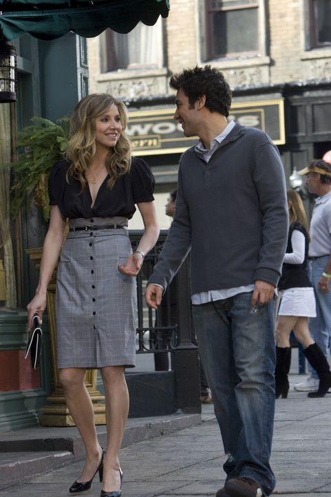 Ted (Josh Radnor, r.) gibt nicht auf und nutzt die zweiminütige Mittagspause von Stella (Sarah Chalke, l.), um ein klassisches Date inklusive Taxif... - Bildquelle: 20th Century Fox International Television