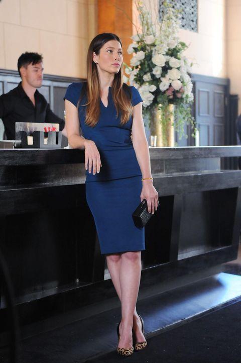 Die hübsche Wissenschaftlerin Kat (Jessica Biel) weiß, wie sie ihre Reize einsetzten muss ... - Bildquelle: 2014 Twentieth Century Fox Film Corporation. All rights reserved.