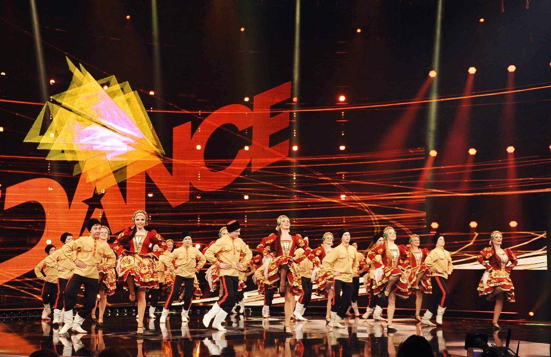 Got-To-Dance-Kosakengruppe-01-SAT1-ProSieben-Willi-Weber - Bildquelle: SAT.1/ProSieben/Willi Weber