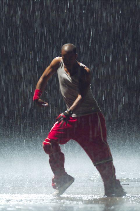 Elgin (Marques Houston) und David sind leidenschaftliche Street Dancer - und beste Freunde. Hip Hop und Tanzen bestimmt ihr Leben. Doch eines Tages... - Bildquelle: 2004 Screen Gems, Inc. All Rights Reserved.
