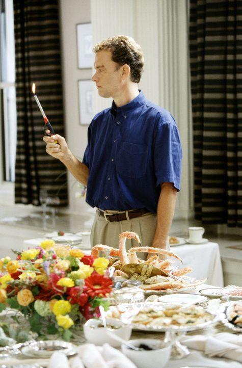 Zurück in der Zivilisation, findet Chuck (Tom Hanks) eine ihm fremd gewordene Welt vor ... - Bildquelle: Francois Duhamel 2001 Twentieth Century Fox Film Corporation and Dreamworks LLC. All rights reserved