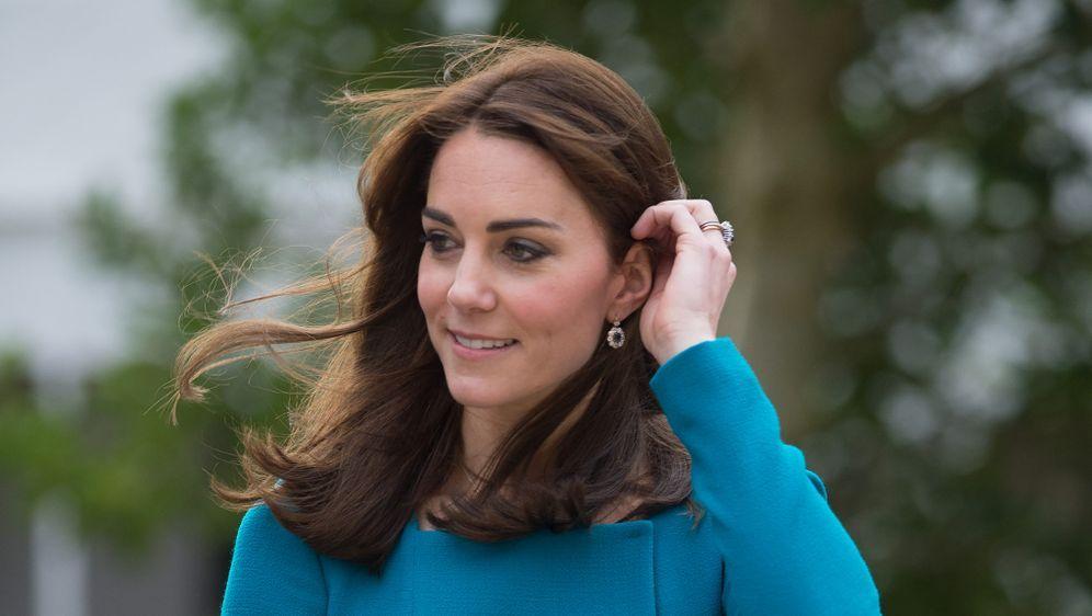 Kate Middleton S Neue Frisur Queen Verlangt Konservativen Look
