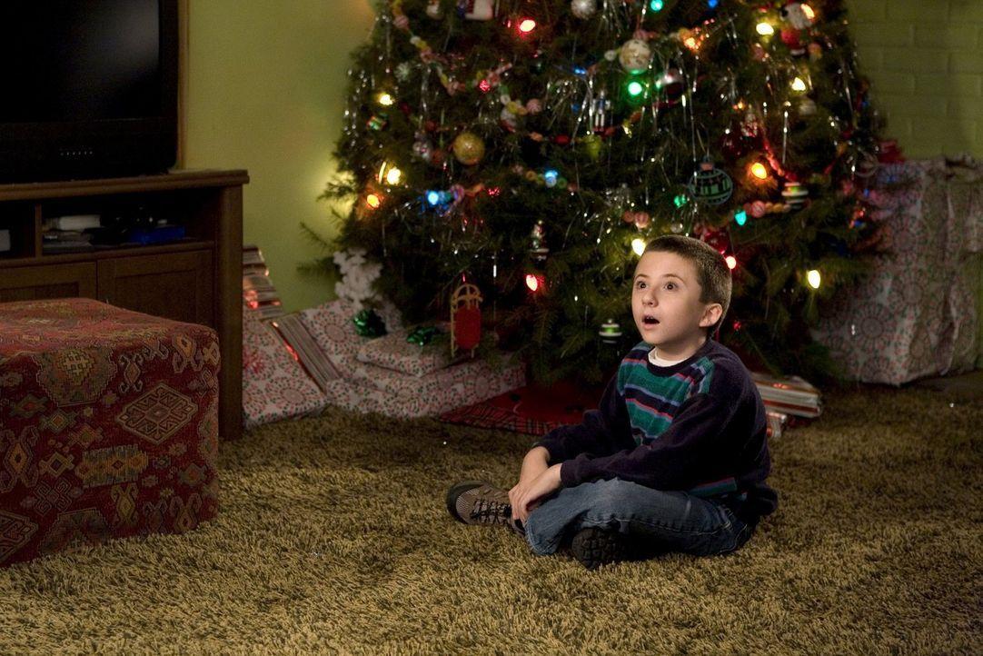 Wird es für Brick (Atticus Shaffer) und seine Familie trotz aller Turbulenzen ein besinnliches Weihnachtsfest? - Bildquelle: Warner Brothers