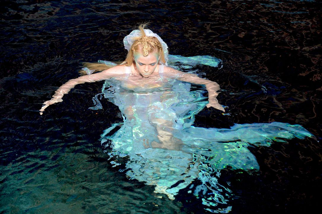 gntm-stf08-epi02-unterwasser-shooting-26-oliver-s-prosiebenjpg 2000 x 1331 - Bildquelle: Oliver S. - ProSieben