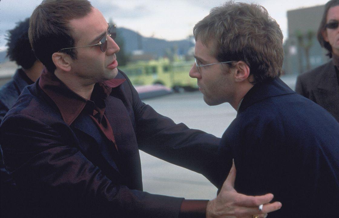 Eines Tages vertraut der Terrorist und eiskalte Killer Castor Troy (Nicolas Cage, l.) seinem Bruder Pollux (Alessandro Nivola, r.) ein Geheimnis an:... - Bildquelle: Touchstone Pictures