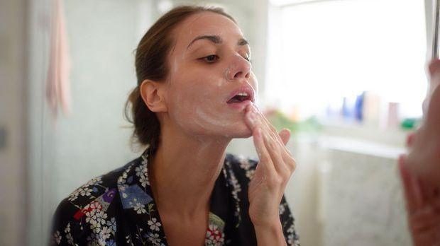 Gesichtsmaske, Creme und Co. – wir haben die Pflegeprodukte, die du in deiner...