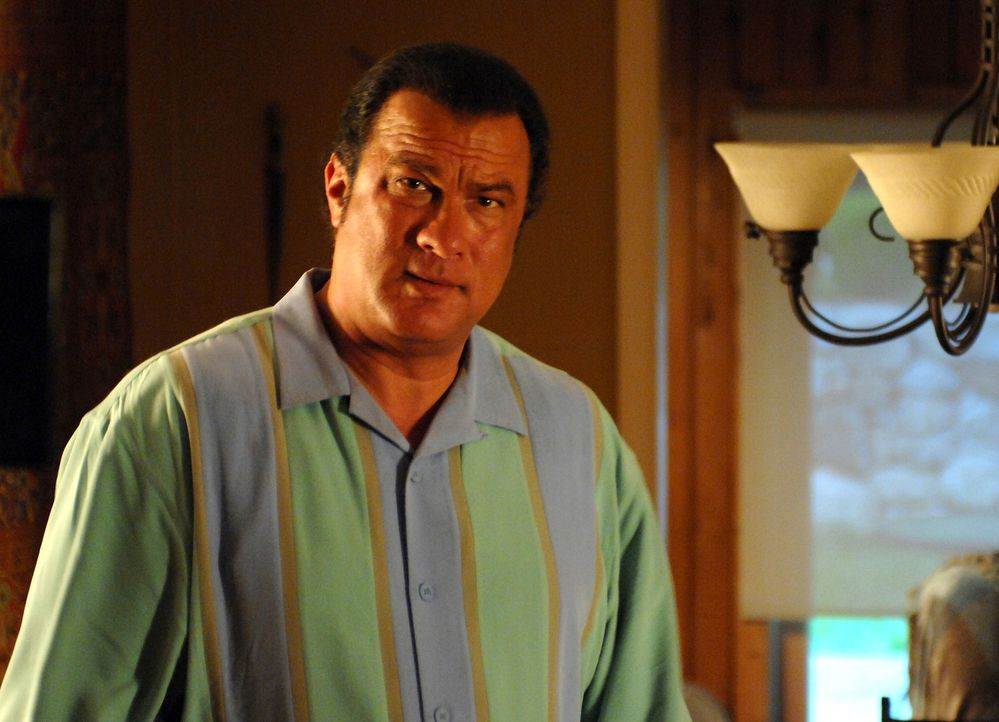Der heruntergekommene Ex-Cop Matt (Steven Seagal) steckt spätestens seit seiner Scheidung knietief in der Krise, als ein mysteriöser Fremdling ihm... - Bildquelle: 2007 Worldwide SPE Acquisitions Inc. All Rights Reserved.