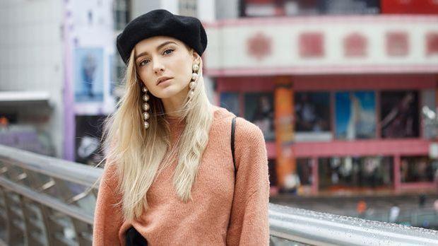 Ein angesagter Business-Look – mit der Baskenmütze setzt du ein trendiges Sta...