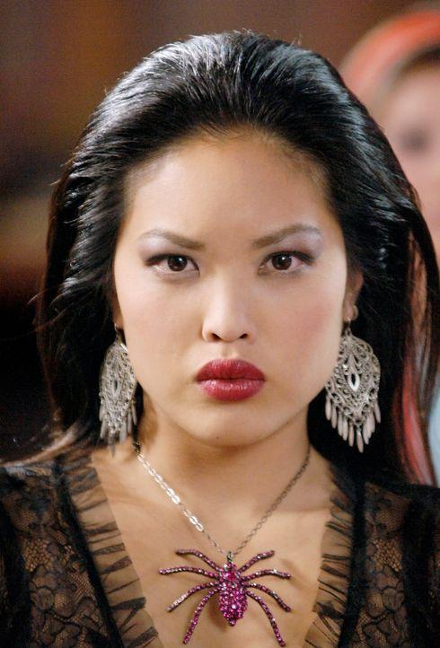 Scarlett (Kristy Wu) spielt ein infames Spiel ... - Bildquelle: Disney - ABC - ESPN Television