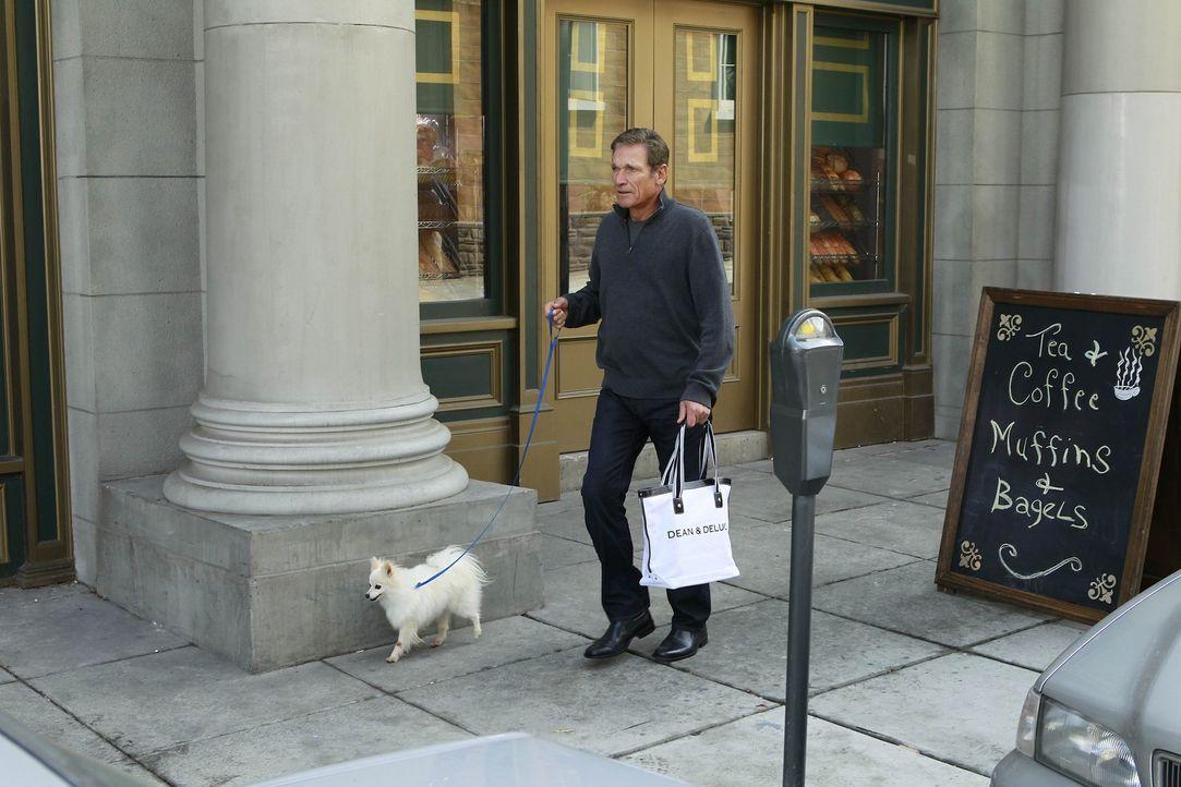 Robin erzählt ihren Freunden stolz, dass sie Maury Povich (Maury Povich) auf der Strasse gesehen hat. Die finden es jedoch nicht wirklich spannend,... - Bildquelle: 20th Century Fox International Television