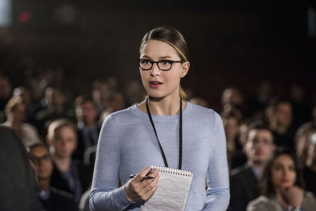 Kara (Melissa Benoist) fällt auf, wie sehr sie ihre Tätigkeit als Reporterin vermisst. Doch während des Interviews mit Jack stellt sie eine Frage, d... - Bildquelle: 2016 Warner Brothers