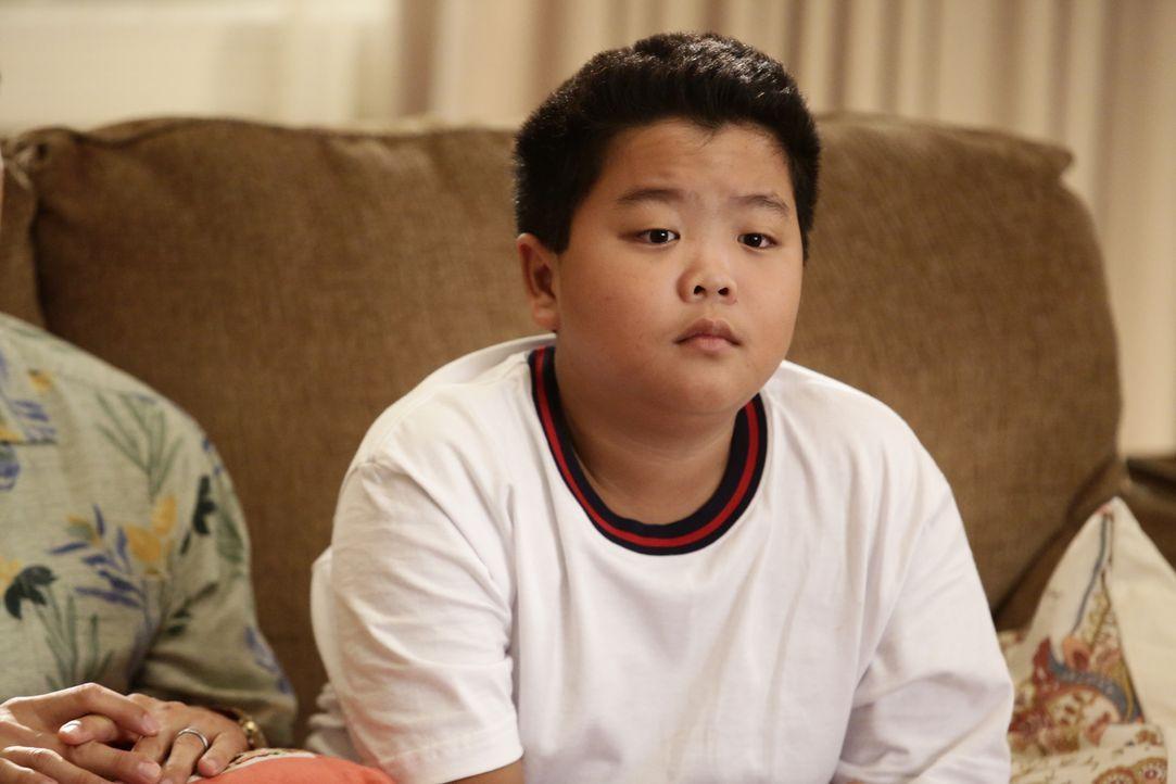 Eddie (Hudson Yang) plagen Selbstzweifel, denn er möchte die Schule am liebsten hinschmeißen, doch seine Mutter lehrt ihm die Tugenden von harter Ar... - Bildquelle: 2016-2017 American Broadcasting Companies. All rights reserved.