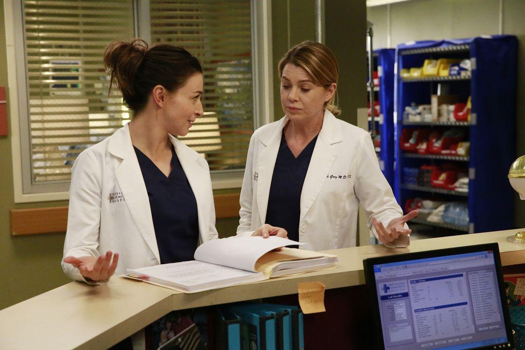 Als eine von Merediths (Ellen Pompeo, r.) ersten Patientinnen mit einem Aneurysma ins Grey Sloan kommt, wird sie dieses Mal von Amelia (Caterina Sco... - Bildquelle: Mitchell Haaseth ABC Studios