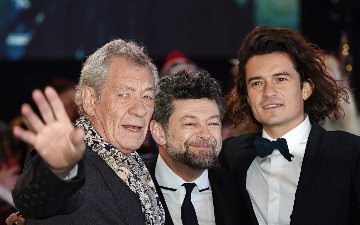 Ian-McKellen-Andy-Serkis-Orlando-Bloom-14-12-01-London-dpa - Bildquelle: dpa