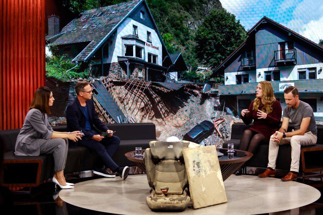 (v.l.n.r.) Linda Zervakis; Matthias Opdenhövel; Familie Hildebrandt - Bildquelle: Benedikt Müller ProSieben / Benedikt Müller