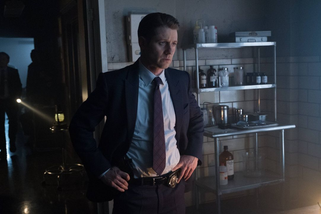 Das Leben von Bruce steht auf dem Spiel. Doch kann Gordon (Ben McKenzie) ihn aus den Fängen von Jerome noch rechtzeitig befreien? - Bildquelle: Warner Brothers