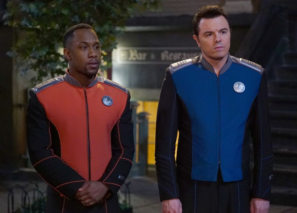 Lieutenant Commander John LaMarr (J. Lee, l.); Captain Ed Mercer (Seth MacFarlane, r.) - Bildquelle: Michael Becker 2019 Twentieth Century Fox Film Corporation.  All rights reserved.