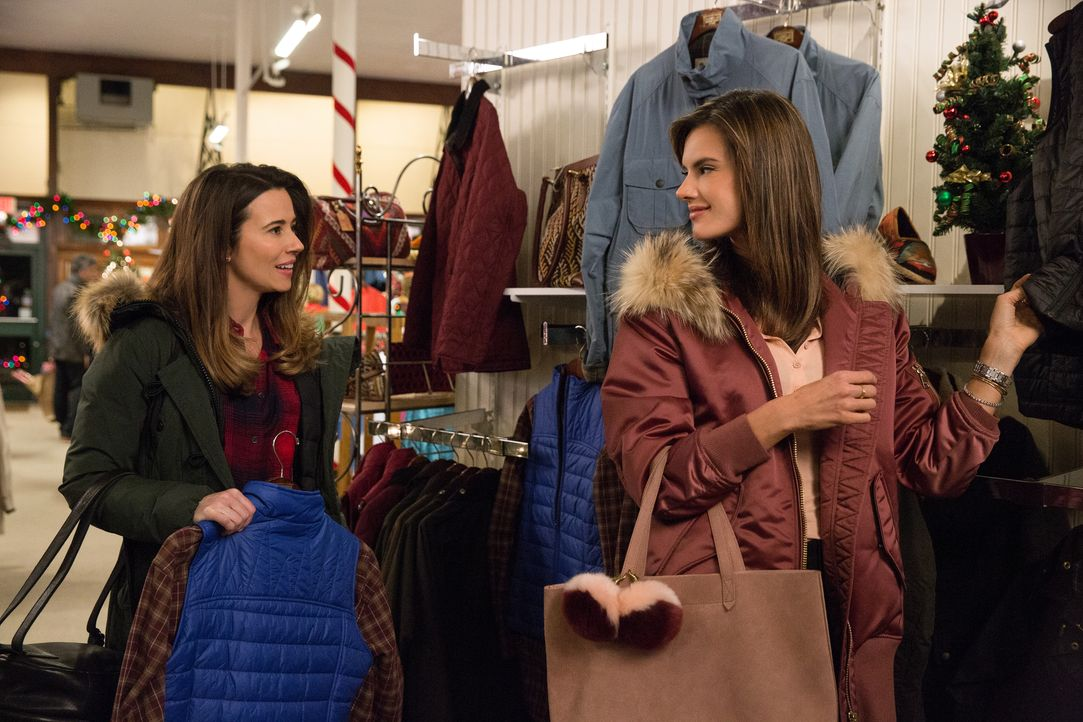 Sara (Linda Cardellini, l.); Karen (Alessandra Ambrosi, r.) - Bildquelle: Claire Folger 2018 Paramount Pictures / Claire Folger