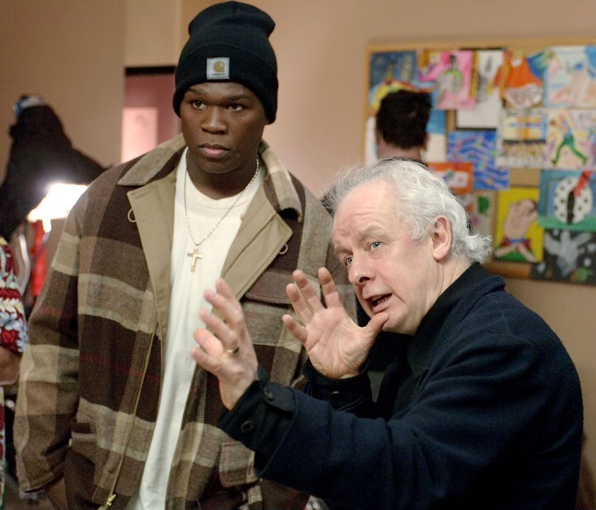 Regisseur Jim Sheridan, r. und sein Hauptdarsteller 50 Cent, l. - Bildquelle: 2005 by PARAMOUNT PICTURES. All Rights Reserved.
