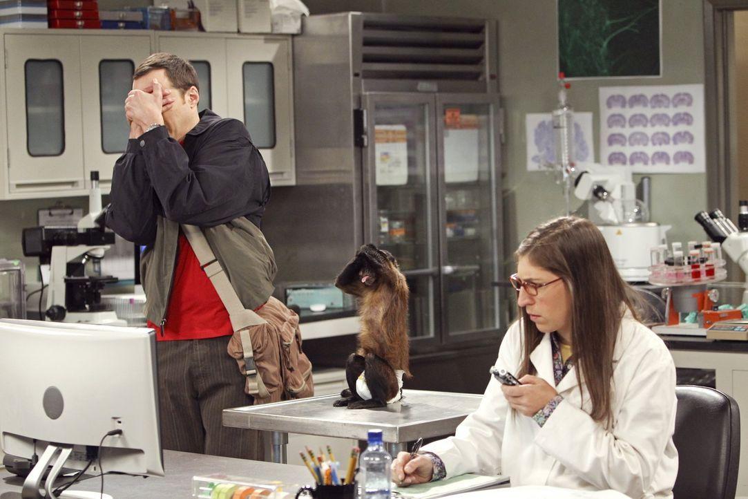 Die Zusammenarbeit an der gleichen Universität endet für Sheldon (Jim Parsons, l.) und Amy (Mayim Bialik, r.) in einem gewaltigen Streit ... - Bildquelle: Warner Bros. Television