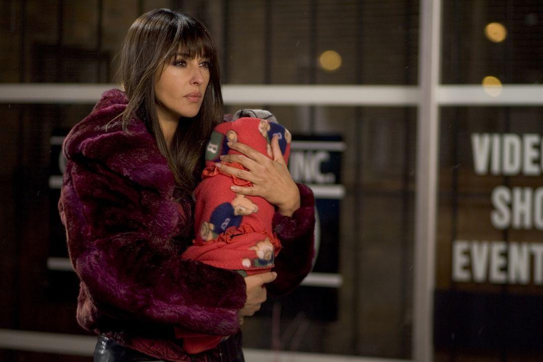 Schützt ein Neugeborenes vor kaltblütigen Killern: Donna (Monica Bellucci) ... - Bildquelle: 2007 Warner Brothers International