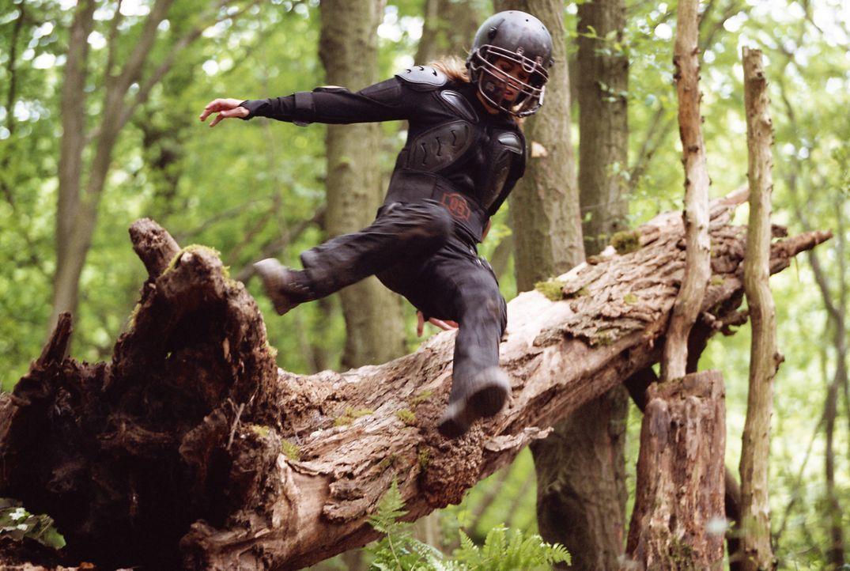 Die wilden Kerle trainieren im Wald ... - Bildquelle: Buena Vista International