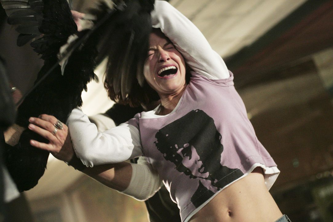 Kann Cynthia (Kelly Overton) dem Grauen entkommen? - Bildquelle: Buena Vista International. All rights reserved