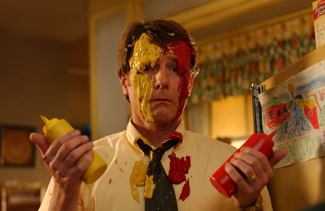 Gestresst von der Suche nach einem perfekten Geschenk für den 20. Hochzeitstag ist Hal (Bryan Cranston) am Ende seiner Kräfte ... - Bildquelle: TM &   2005 - 2006 Twentieth Century Fox Film Corporation and Regency Entertainment (USA), Inc.