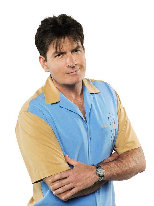 (7. Staffel) - Charlie Harper (Charlie Sheen) ist ein ziemlich erfolgreicher Produzent von Werbespots und Jingles. Doch sein Privatleben verläuft eh... - Bildquelle: Warner Brothers Entertainment Inc.