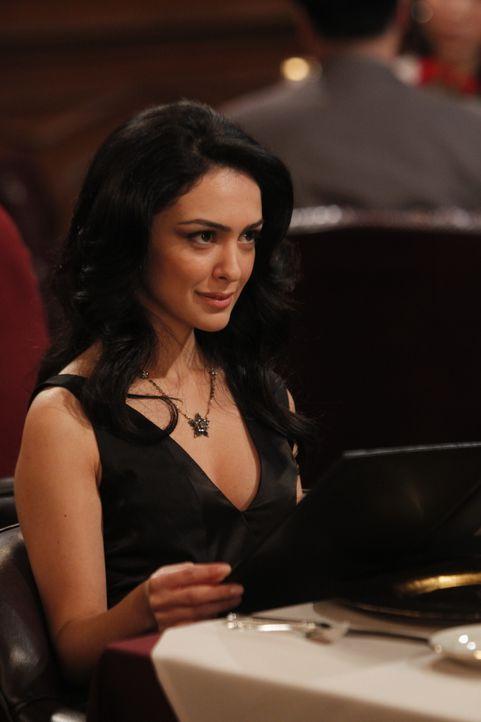 Hat sie sich auch in Barney verliebt? Nora (Nazanin Boniadi) ... - Bildquelle: 20th Century Fox International Television