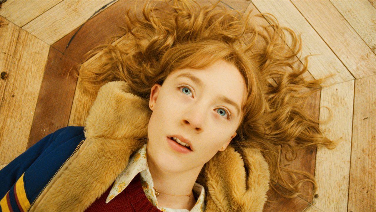 Susie Salmon (Saoirse Ronan) wurde nur 14 Jahre alt. Sie wurde ermordet, dennoch meint ihr kleiner Bruder Buckley, sie gesehen zu haben? Und wieso i... - Bildquelle: 2009 DW Studios L.L.C. All Rights Reserved.