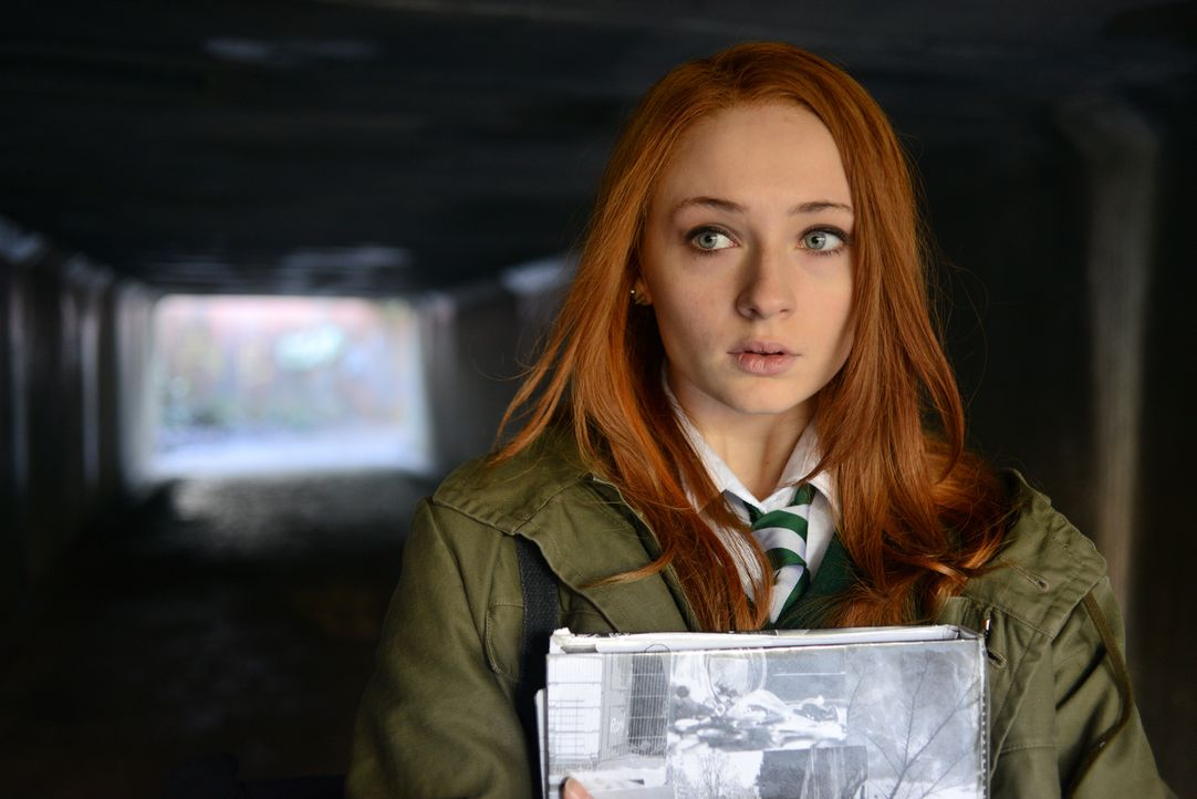 Fay (Sophie Turner) hat mit vielen Problemen zu kämpfen: Ihr geliebter Vater leidet unter multipler Sklerose und ihre Mutter stürzt sich in eine Aff... - Bildquelle: 2014 Twentieth Century Fox Film Corporation.  All rights reserved.