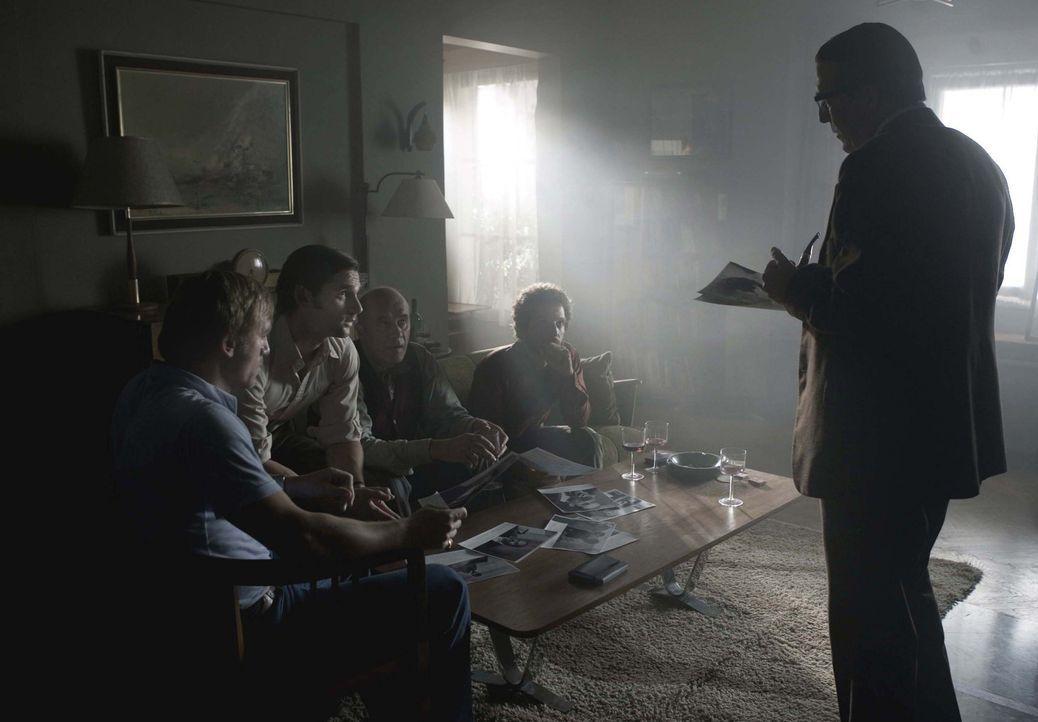 Die Rächer von München: (v.l.n.r.): der Fluchtwagen-Fahrer Steve (Daniel Craig), der Geheimdienstoffizier Avner (Eric Bana), der der Anführer der... - Bildquelle: 2005 UNIVERSAL STUDIOS and DREAMWORKS LLC.