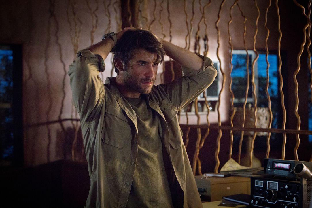 Nachdem er Abraham im Truck zurücklassen musste, ist Oz (James Wolk) verzweifelt: Wie soll er alleine in der Wildnis überleben? - Bildquelle: Steve Dietl 2015 CBS Broadcasting Inc. All Rights Reserved.
