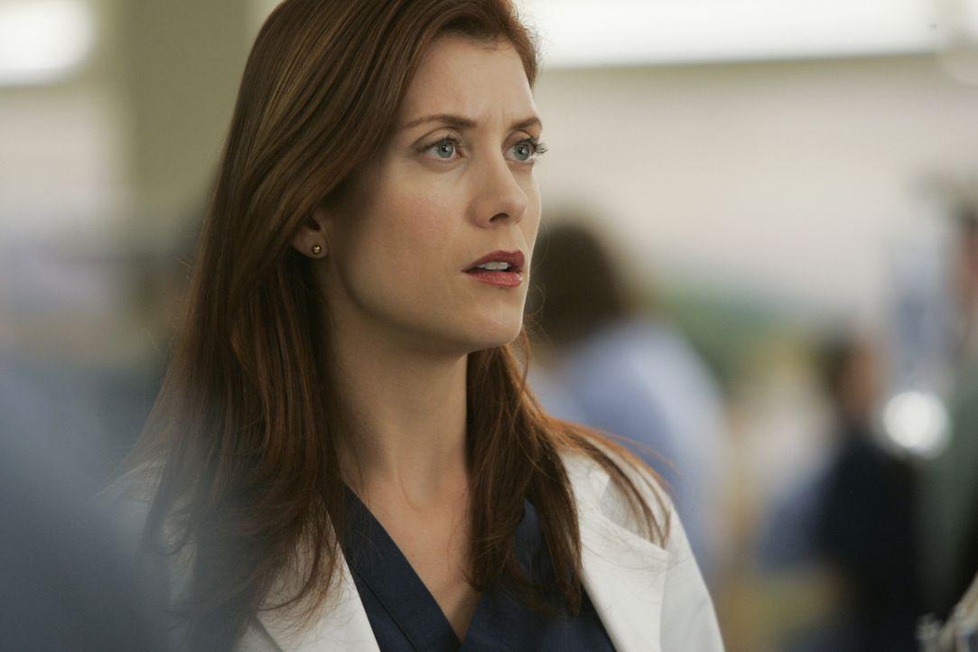 Addison (Kate Walsh) versucht vor Bailey, bei der gerade die Wehen eingesetzt haben, zu verheimlichen, dass ihr Ehemann mit schweren Verletzungen in... - Bildquelle: Touchstone Television