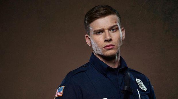 """9-1-1: Oliver Stark als Evan """"Buck"""" Buckley"""