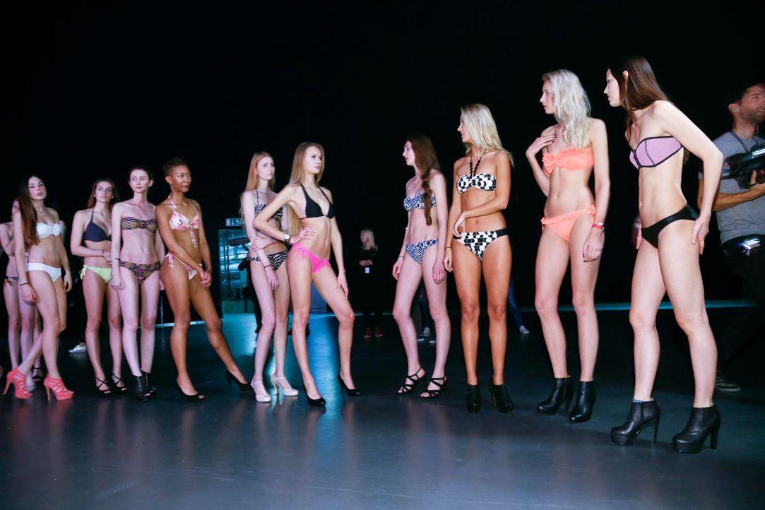 GNTM-Stf10-Epi03-Bikiniwalk-Muc-34-ProSieben-Richard-Huebner-TEASER - Bildquelle: ProSieben/Richard Hübner