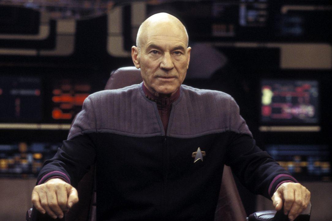 Captain Jean-Luc Picard (Patrick Stewart) und seine Crew kämpfen gegen einen eiskalten neuen Widersacher, der einen schockierende Verbindung zu Pic... - Bildquelle: Paramount Pictures