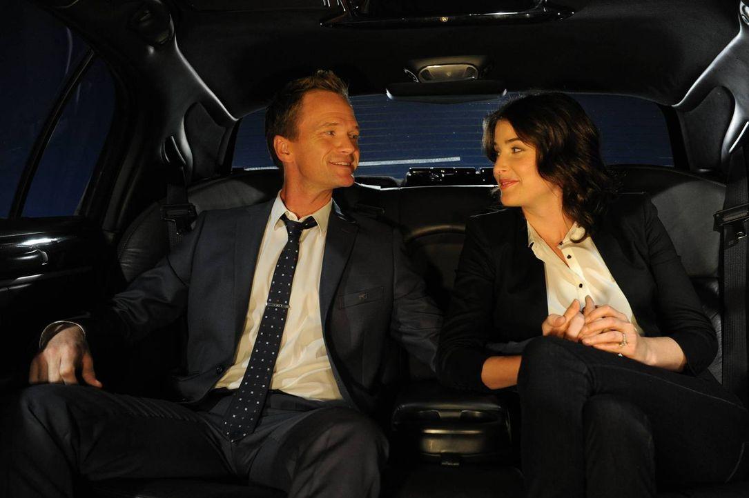Ihr großer Tag rückt immer näher: Barney (Neil Patrick Harris, l.) und Robin (Cobie Smulders, r.) ... - Bildquelle: 2013 Twentieth Century Fox Film Corporation. All rights reserved.