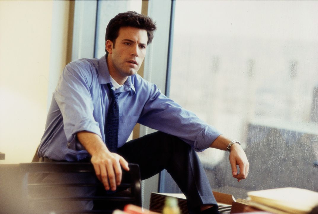 An irgendeinem Freitag in New York baut der ambitionierte Anwalt Gavin Banek (Ben Affleck) auf dem Weg ins Gericht auf dem Highway beim Spurwechsel... - Bildquelle: Kerry Hayes TM & © 2002 by Paramount Pictures. All Rights Reserved. / Kerry Hayes