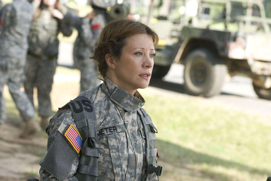 Der ehemalige Sergeant Jeter (Cheri Oteri) verspricht Megan bei der letzten Mission eine niederschmetternde Niederlage ... - Bildquelle: 2007 MAJOR PRODUCTIONS, INC.
