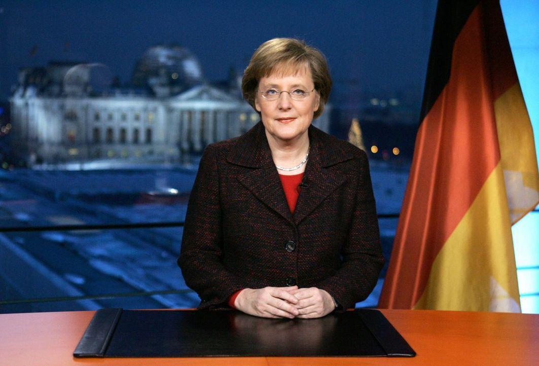 Neujahrsansprache 2005 - Bildquelle: picture alliance, dpa-dpaweb /fabriziobensch