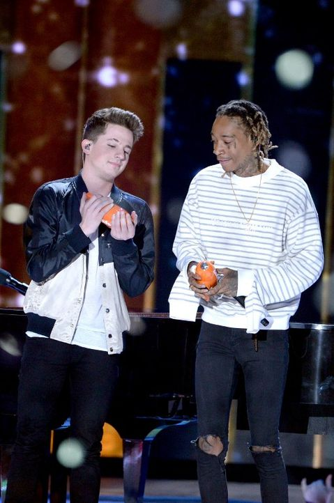 Nickelodeon-10-charlie-puth-wiz-khalifa-getty-AFP - Bildquelle: getty-AFP